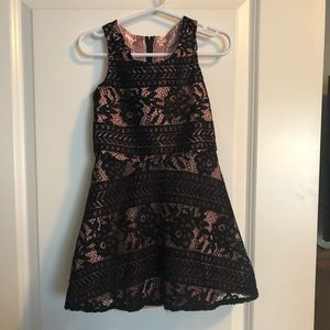 Beautiful little girls dress size 4